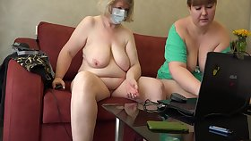 Mature Chubby Lesbians Forwards Of A Webcam Show Vaginal Fisting And Masturbation In the matter of A Dildo Homemade Fetish, Shaved Pussy And Juicy Pawg Doggy Style 10 Min