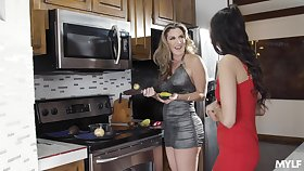 Astonishing lesbos provide real mature oral sex