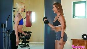 Distinguishable trainer Nicole Aniston gets naughty with Elsa Jean